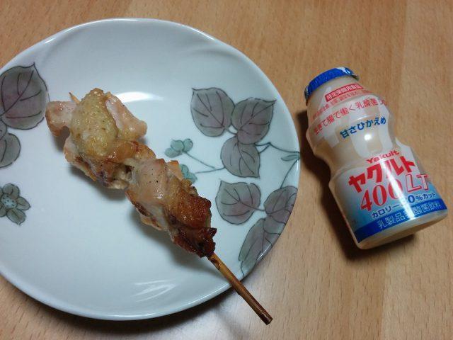 中島ブロイラー 串焼きをヤクルトと比較