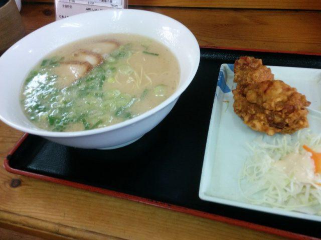長浜ラーメン 秀やす 麺カラ定食 (長浜ラーメン・唐揚げ2個)