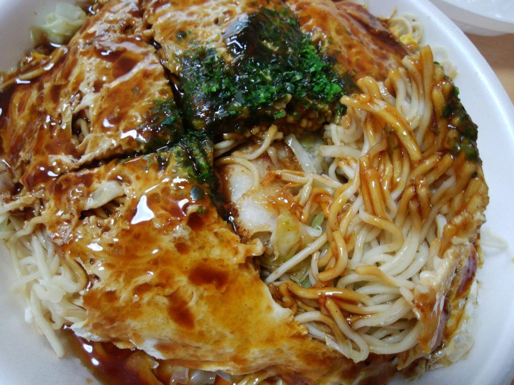 お好み焼き一銭 広島風お好み焼き 通常サイズ そばは細目でソースに絡む